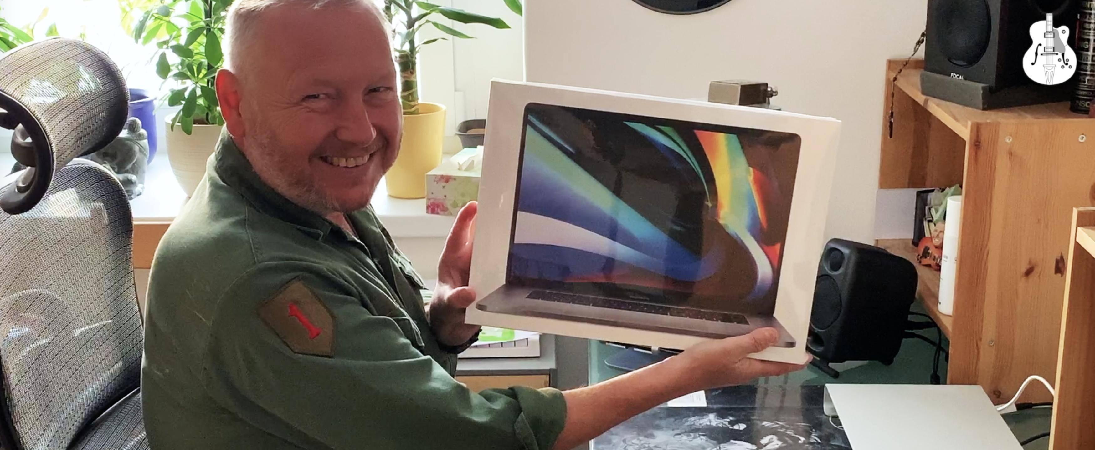 MacBook Pro 16″ Unboxing