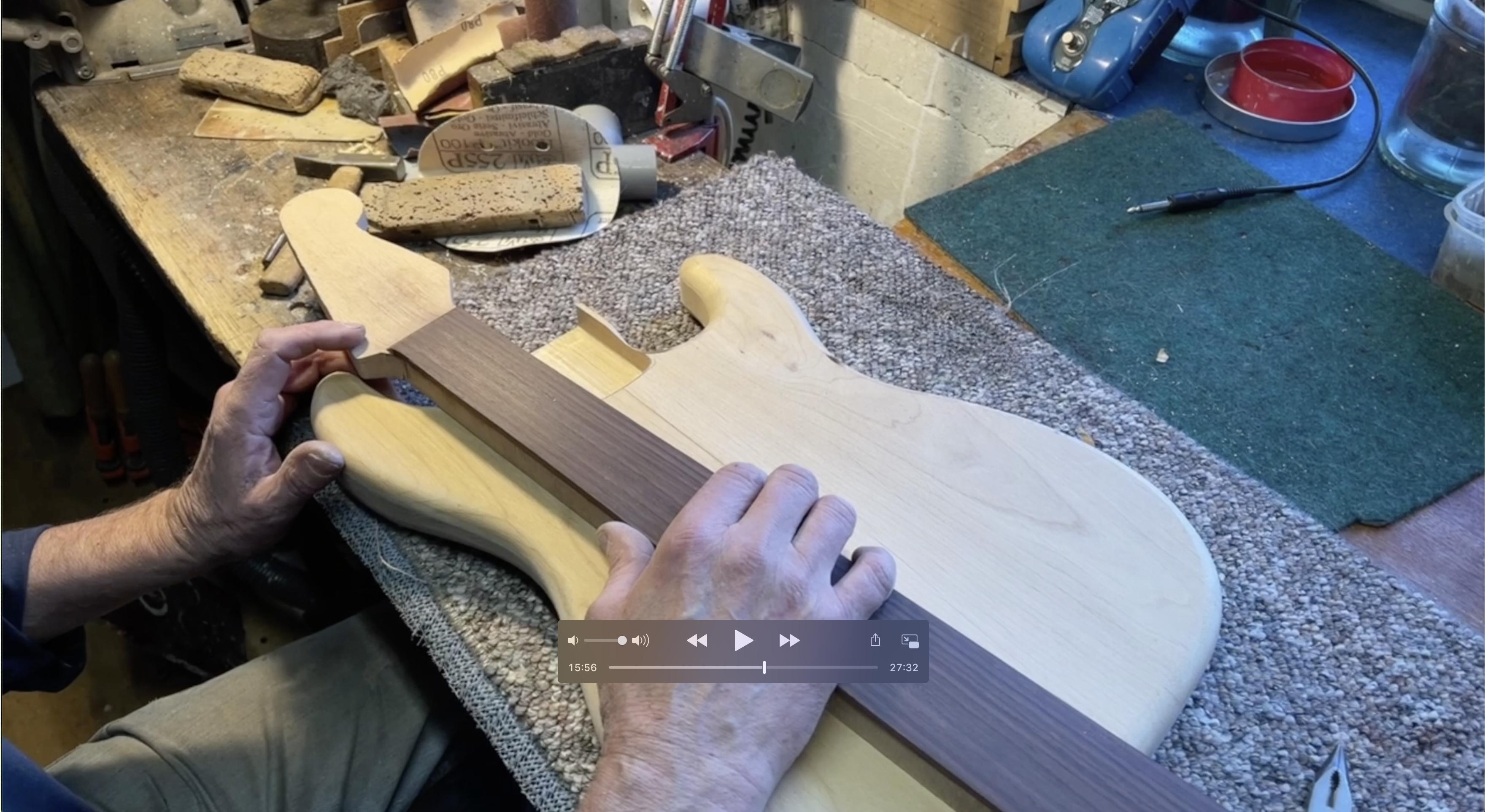 Ruční stavba Stratocasteru